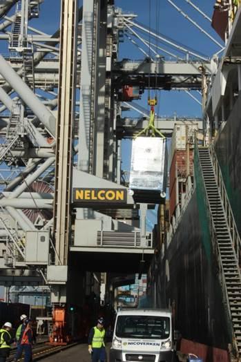 Abbildung 4: Einbau der MD-Anlage auf dem Containerschiff in Rotterdam
