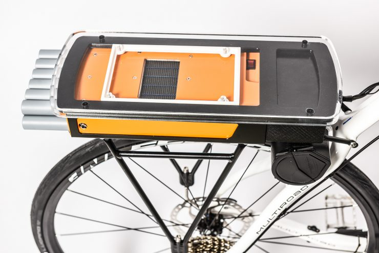 Rear rack with fuel cell system