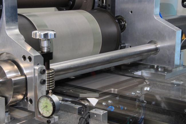 Solarzelle wird mit Rotationsdruck bedruckt